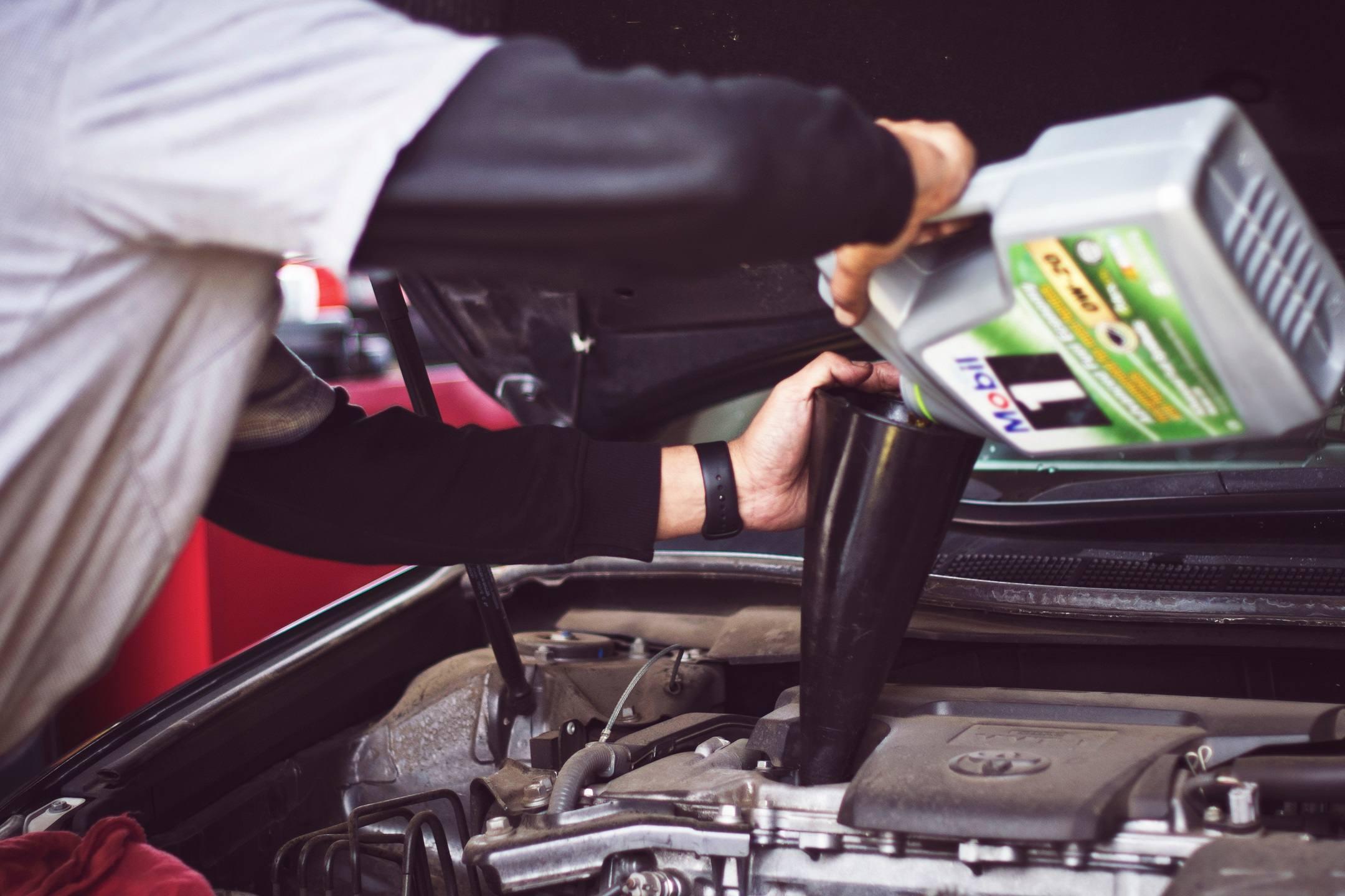 olej-silnikowy