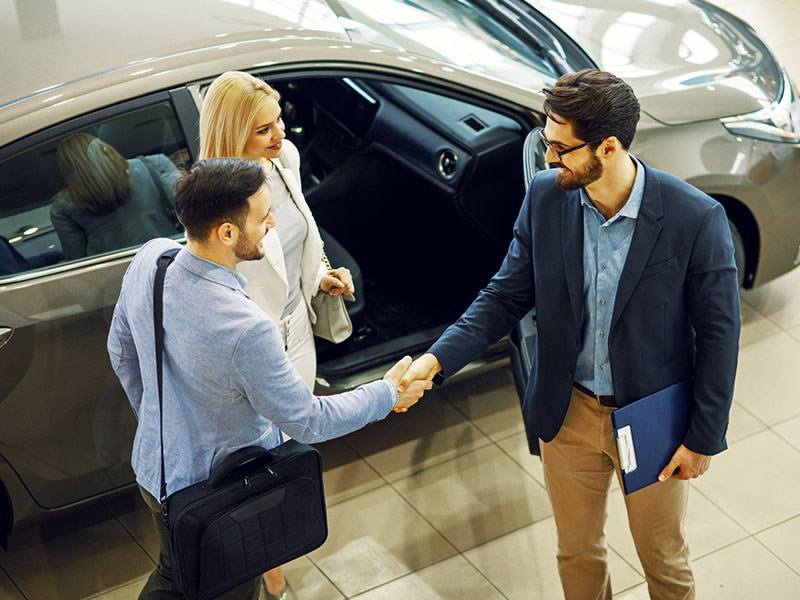 sprzedaż i kupno samochodu używanego