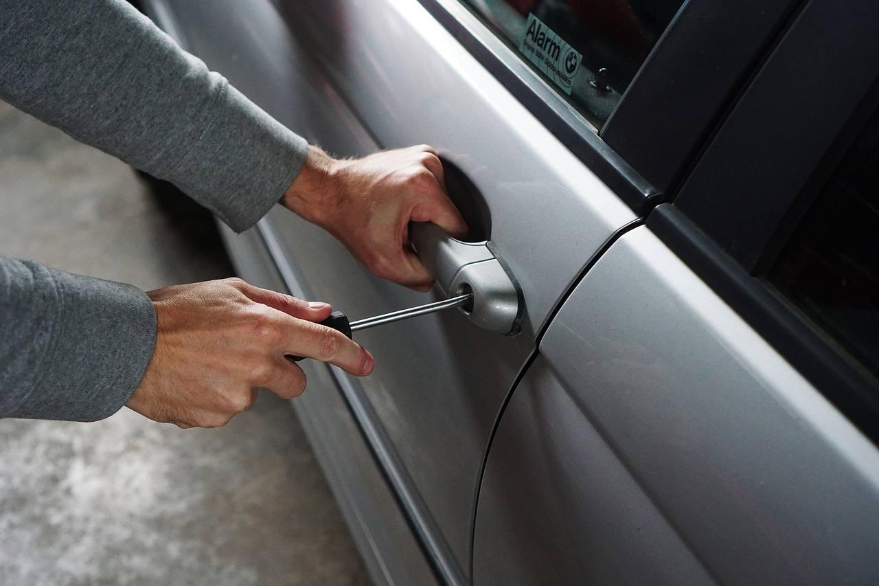 Kradzież samochodu osobowego