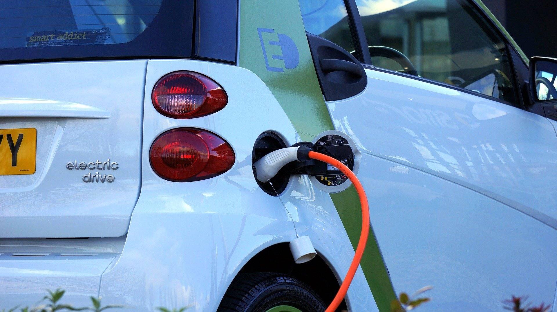 Ile kosztuje ładowanie samochodu elektrycznego